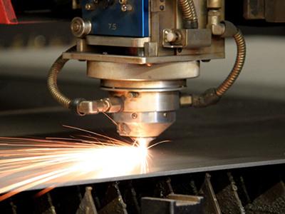 Xu hướng gia công kim loại bằng tia laser 2015